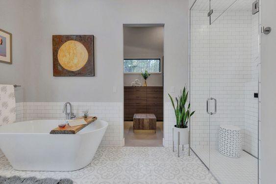 Inspirasi Interior Kamar Mandi dengan Lantai Tegel Lawas Sedikit Sentuhan Klasik