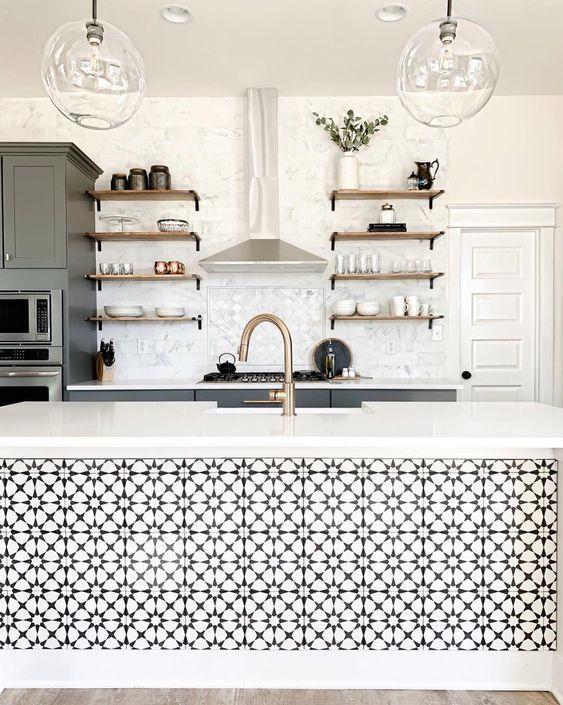 Inspirasi Penggunaan Tegel Kunci Pada Dapur yang Terkesan Mewah