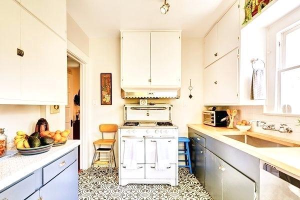 Inspirasi Desain Interior Dapur Minimalis Modern dengan Lantai Tegel