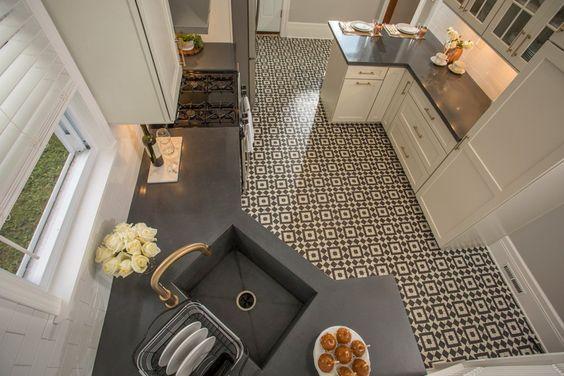 Interior Dapur yang Tampil Keren dengan Ubin Motif Pola Cambridge