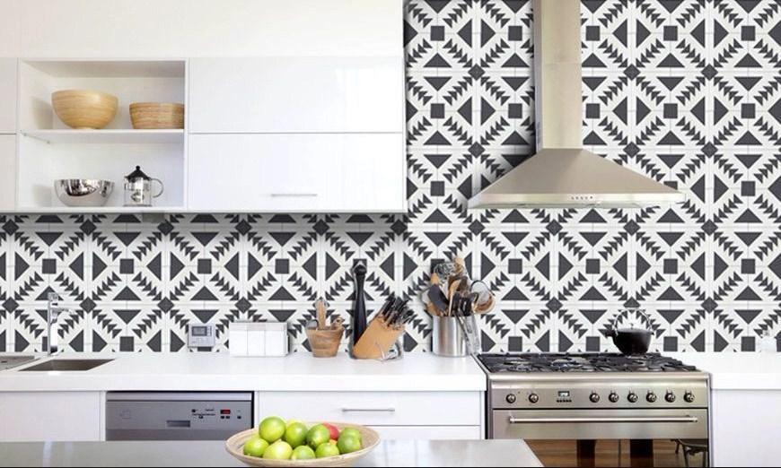 Inspirasi Backsplash Dapur dengan Ubin Tegel yang Membuat Dapur Semakin Hidup